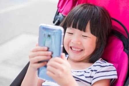 Learn about some of the best apps for parents of hard-of-hearing kids to help improve language and listening skills. Click above to find out more!