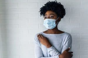 African American woman wearing a face mask